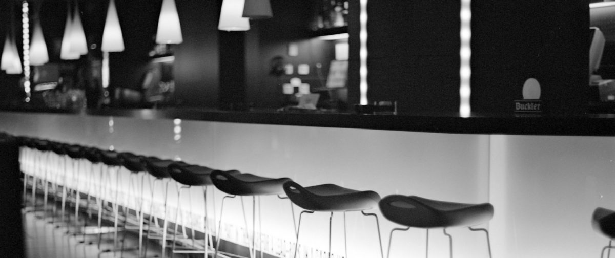 5 Essential Tips For Starting a Home Bar